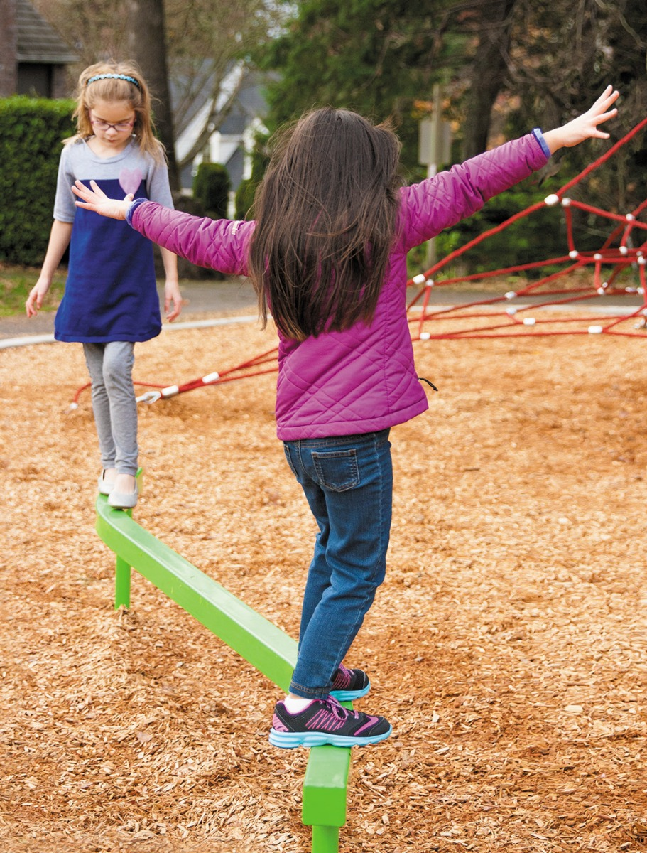 curved balance beam - balance - freestanding play structure